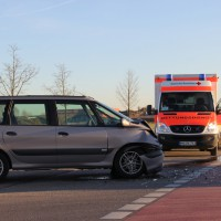 10-12-2013_memmingen_europastrasse_unfall_transporter_pkw_poeppel_new-facts-eu20131210_0004