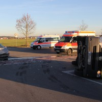 10-12-2013_memmingen_europastrasse_unfall_transporter_pkw_poeppel_new-facts-eu20131210_0008