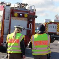 11-02-2014_b12-Altdorf_geisenried_sieben-schwerverletzte_feuerwehr_lkw_pkw_poeppel__bringezu_new-facts-eu20140211_0046