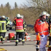 11-02-2014_b12-Altdorf_geisenried_sieben-schwerverletzte_feuerwehr_lkw_pkw_poeppel__bringezu_new-facts-eu20140211_0049
