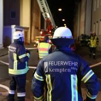 Kempten - Fünf Verlezte bei Dachstuhlbrand in Mehrfamilienhaus