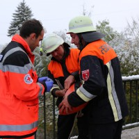 Rudratshofen – Mann landet mit Pkw in der Wertach – er kann sich aufs Dach retten