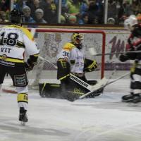 12-01-2014_allgau-derby_eishockey_indians_ecdc-memmingen_erc-sonthofen_niederlage_poeppel_new-facts-eu20140112_0005