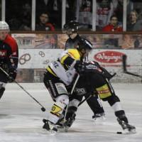 12-01-2014_allgau-derby_eishockey_indians_ecdc-memmingen_erc-sonthofen_niederlage_poeppel_new-facts-eu20140112_0009