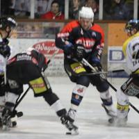 12-01-2014_allgau-derby_eishockey_indians_ecdc-memmingen_erc-sonthofen_niederlage_poeppel_new-facts-eu20140112_0010