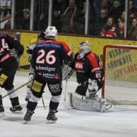 12-01-2014_allgau-derby_eishockey_indians_ecdc-memmingen_erc-sonthofen_niederlage_poeppel_new-facts-eu20140112_0013