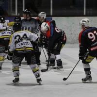 12-01-2014_allgau-derby_eishockey_indians_ecdc-memmingen_erc-sonthofen_niederlage_poeppel_new-facts-eu20140112_0025