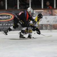 12-01-2014_allgau-derby_eishockey_indians_ecdc-memmingen_erc-sonthofen_niederlage_poeppel_new-facts-eu20140112_0028