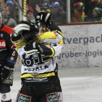 12-01-2014_allgau-derby_eishockey_indians_ecdc-memmingen_erc-sonthofen_niederlage_poeppel_new-facts-eu20140112_0046