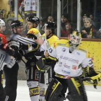 12-01-2014_allgau-derby_eishockey_indians_ecdc-memmingen_erc-sonthofen_niederlage_poeppel_new-facts-eu20140112_0051