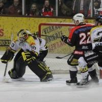 12-01-2014_allgau-derby_eishockey_indians_ecdc-memmingen_erc-sonthofen_niederlage_poeppel_new-facts-eu20140112_0054