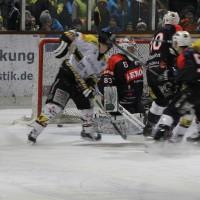 12-01-2014_allgau-derby_eishockey_indians_ecdc-memmingen_erc-sonthofen_niederlage_poeppel_new-facts-eu20140112_0060