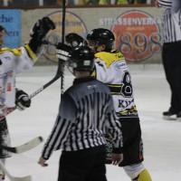 12-01-2014_allgau-derby_eishockey_indians_ecdc-memmingen_erc-sonthofen_niederlage_poeppel_new-facts-eu20140112_0062
