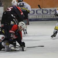 12-01-2014_allgau-derby_eishockey_indians_ecdc-memmingen_erc-sonthofen_niederlage_poeppel_new-facts-eu20140112_0068
