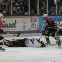 12-01-2014_allgau-derby_eishockey_indians_ecdc-memmingen_erc-sonthofen_niederlage_poeppel_new-facts-eu20140112_0079