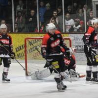 12-01-2014_allgau-derby_eishockey_indians_ecdc-memmingen_erc-sonthofen_niederlage_poeppel_new-facts-eu20140112_0081