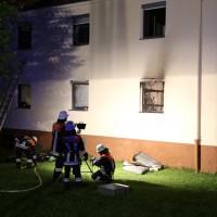 12-05-2014_neu-ulm_illertissen_zimmerbrand_6-verletzte_feuerwehr_poeppel_new-facts-eu_0007