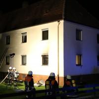 12-05-2014_neu-ulm_illertissen_zimmerbrand_6-verletzte_feuerwehr_poeppel_new-facts-eu_0020