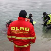 12-10-2013_dlrg-memmingen_bezirk-schwaben_ausbildung-rettungstaucher_poeppel_groll_new-facts-eu20131012_0010