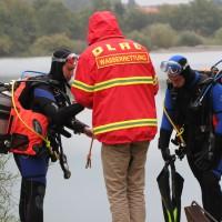 12-10-2013_dlrg-memmingen_bezirk-schwaben_ausbildung-rettungstaucher_poeppel_groll_new-facts-eu20131012_0032