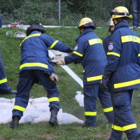 13-09-2013_unterallgau_ettringen_katastrophenschutzteilubung_dammsicherung_kreisbrandinspektion_landratsamt_poeppel_new-facts-eu20130913_0059