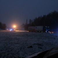 B12-Hellengerst - Bei schneeglätte von der Fahrbahn abgeflogen und verletzt