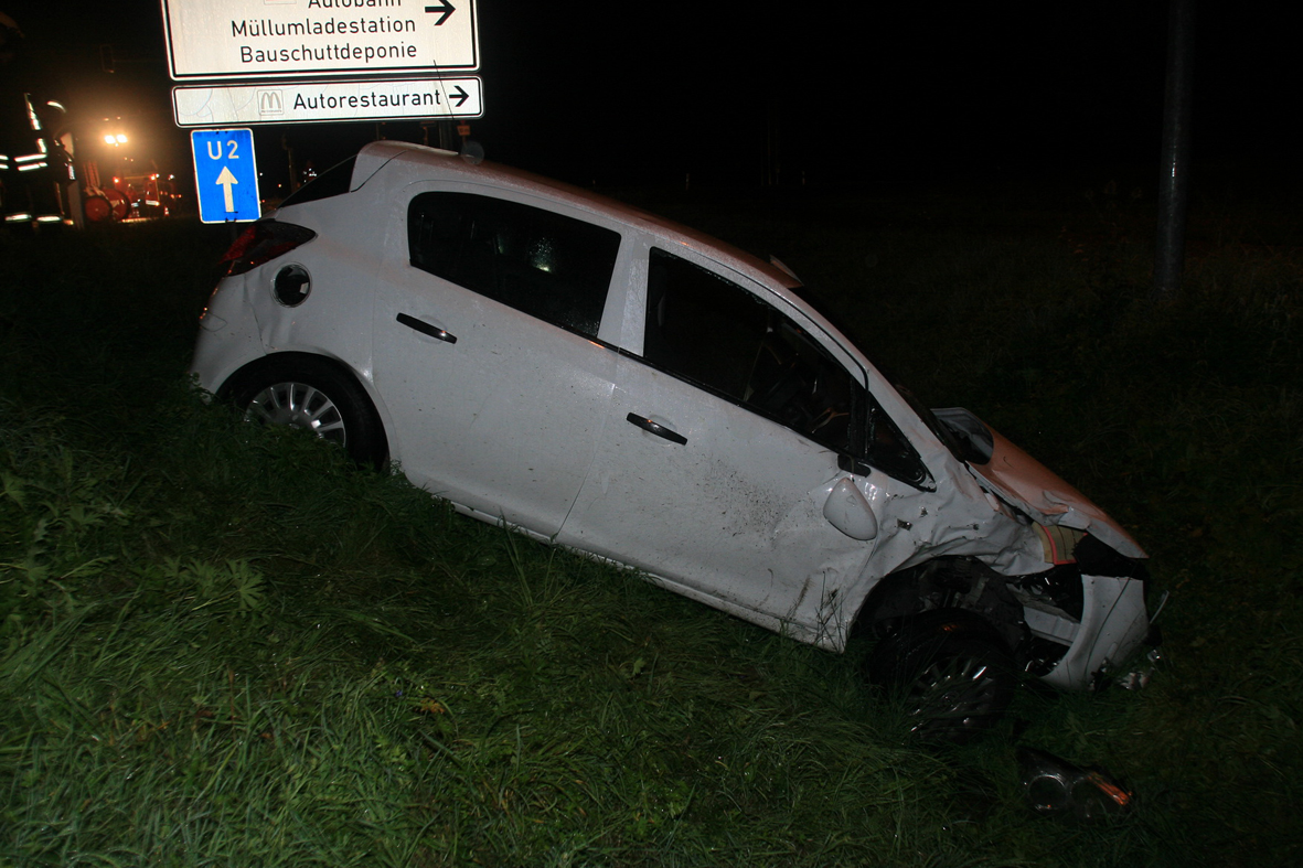Langenau 18 Verletzte Nach Kollision Mit Kleinbus Zwei