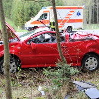 15-04-2014-unterallgaeu-breitenbrunn-korb-unfall-ueberschlag-feuerwehr-groll-new-facts-eu_0004
