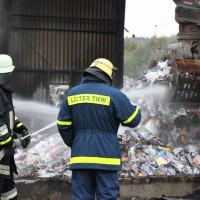 15-10-2013_unterallgäu_tussenhausen_brand_recycling-anlage_nachlöscharbeiten_poeppel_new-facts-eu20131015_0040