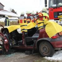 16-01-2014_unterallgau_zell_kronburg_unfall_verletzte_feuerwehr_groll_new-facts-eu20140116_0022