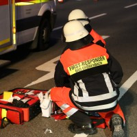16-04-2014-unterallgaeu_groenenbach-tal-motorrad-unfall-pkw-feuerwehr-first-responder-poeppel_new-facts-eu_0017