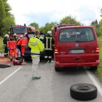 16-05-2014_ostallgaeu_friesenried_oberguenzburg_unfall_frontal_feuerwehr_schwerverletzte_bringezu_new-facts-eu20140516_0010
