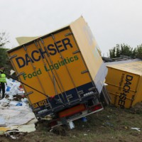 16-10-2013_bab-a7_bad-groenenbach_lkw-unfall_poeppel_new-facts-eu20131016_0001