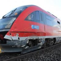 17-10-2013_unterallgau_nassenbeuren_bahnunfall_lkw_regionalbahn_feuerwehr_poeppel_new-facts-eu20131017_0019