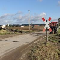 17-10-2013_unterallgau_nassenbeuren_bahnunfall_lkw_regionalbahn_feuerwehr_poeppel_new-facts-eu20131017_0050