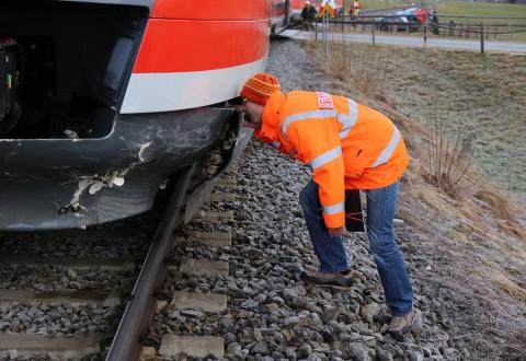 18-01-2014_oberallgau_seeg-zeil_bahnunfall_pkw_regionalbahn_bringezu_new-facts-eu20140118_0003