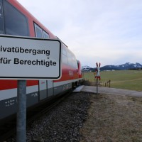 18-01-2014_oberallgau_seeg-zeil_bahnunfall_pkw_regionalbahn_bringezu_new-facts-eu20140118_0005