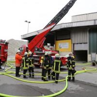 18-04-2014-ravensburg-bad-wurzach-brand-trocknungsanlage-glas-ercyclinganlage-feuerwehr_new-facts-eu20140418_0006