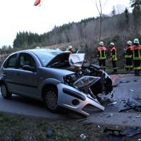 Böhen - Schwerer Verkehrsunfall - Motorrad prallt frontal in Pkw