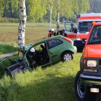 19-05-2014_biberach-achsenhausen-oberstetten_toedlicher-unfall_pkw-baum_poeppel_new-facts-eu_0008
