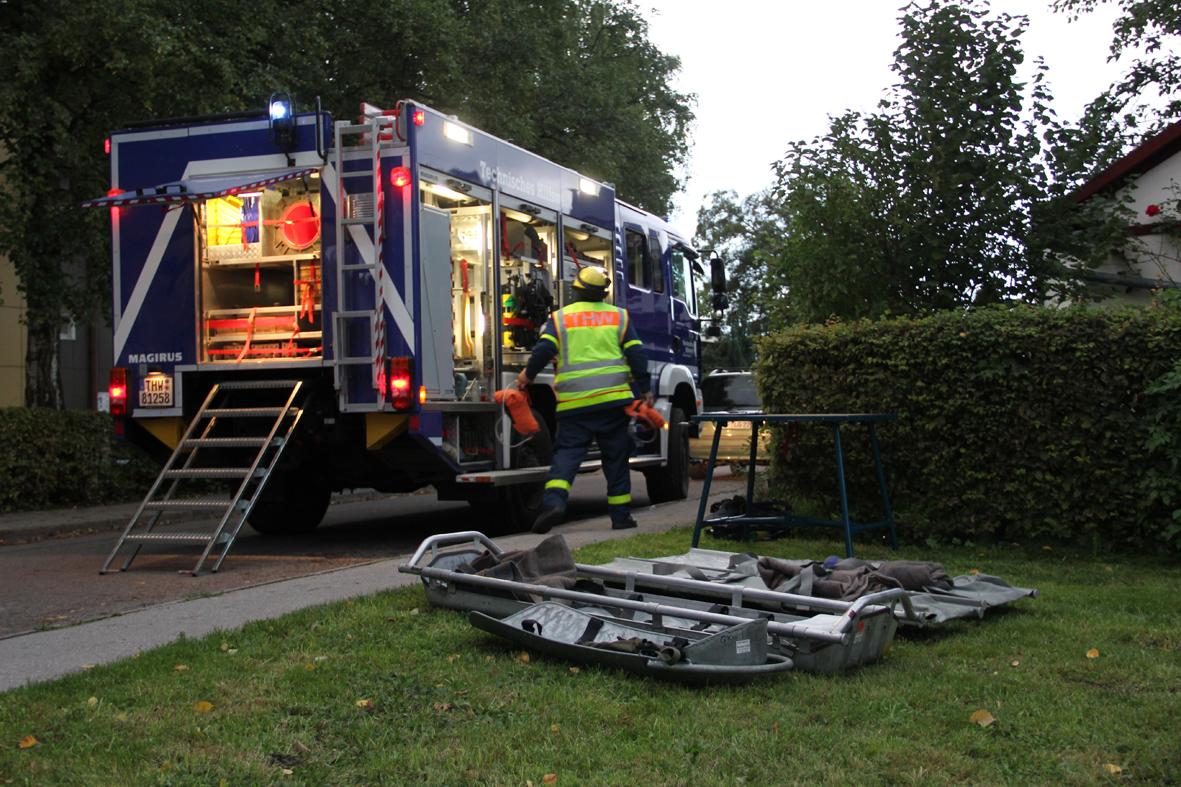 Neugablonz Feuerwehr Thw Und Sanit 228 Tseinheiten 252 Ben In