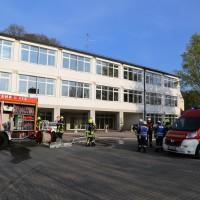2014041111-04-2014_neu-ulm_altenstadt_brand_schule_b5_feuerwehr_rettungsdienst_poeppel_new-facts-eu_0001