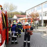 2014041111-04-2014_neu-ulm_altenstadt_brand_schule_b5_feuerwehr_rettungsdienst_poeppel_new-facts-eu_0010