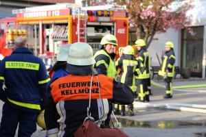 2014041111-04-2014_neu-ulm_altenstadt_brand_schule_b5_feuerwehr_rettungsdienst_poeppel_new-facts-eu_0012