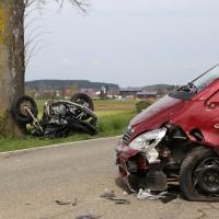 21-04-2014-unterallgaeu_markt-rettenbach_unfall-motorrad-pkw-frettungshubschrauber-poeppel_new-facts-eu_0001