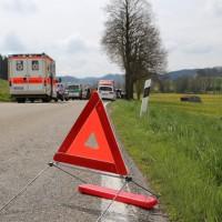 21-04-2014-unterallgaeu_markt-rettenbach_unfall-motorrad-pkw-frettungshubschrauber-poeppel_new-facts-eu_0003