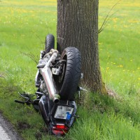 21-04-2014-unterallgaeu_markt-rettenbach_unfall-motorrad-pkw-frettungshubschrauber-poeppel_new-facts-eu_0005