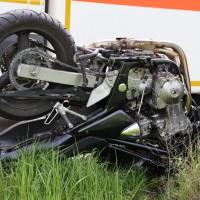 21-04-2014-unterallgaeu_markt-rettenbach_unfall-motorrad-pkw-frettungshubschrauber-poeppel_new-facts-eu_0016