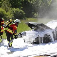 A7-Allgäuer Tor - Hochmotorisierter Sportwagen geht in Flammen auf