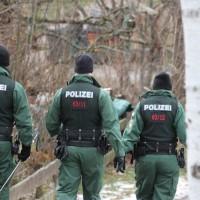 21-12-2013_allgau_kempten_mord_polizeiaktion_absuche_spurensicherung_poeppel_new-facts-eu20131222_0143